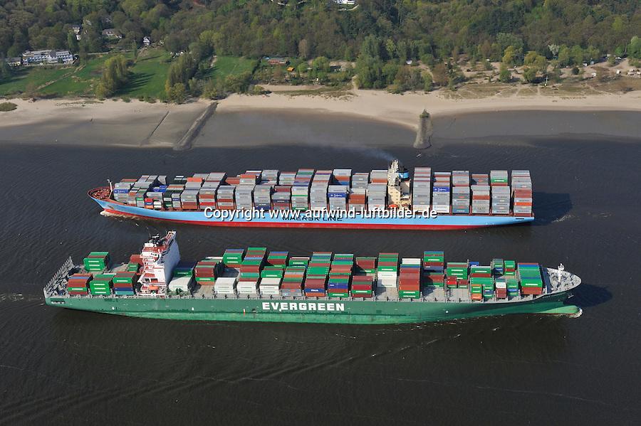 Gigantentreffen: EUROPA, DEUTSCHLAND, HAMBURG, (EUROPE, GERMANY), 16.04.2009: Ever Conquest (vorne) und Carlotte Maersk, Container,  Hamburger Hafen, Elbe, Schiff, Seeschiff, Containerschiff, Logistik, Transport, Wirtschaft, Boom, Reederei AP Moller Maersk, Conti Reederei,   Luftbild, Luftansicht, Luftaufnahme, Aufwind-Luftbilder.c o p y r i g h t : A U F W I N D - L U F T B I L D E R . de.G e r t r u d - B a e u m e r - S t i e g 1 0 2, .2 1 0 3 5 H a m b u r g , G e r m a n y.P h o n e + 4 9 (0) 1 7 1 - 6 8 6 6 0 6 9 .E m a i l H w e i 1 @ a o l . c o m.w w w . a u f w i n d - l u f t b i l d e r . d e.K o n t o : P o s t b a n k H a m b u r g .B l z : 2 0 0 1 0 0 2 0 .K o n t o : 5 8 3 6 5 7 2 0 9 V e r o e f f e n t l i c h u n g  n u r  m i t  H o n o r a r  n a c h M F M, N a m e n s n e n n u n g  u n d B e l e g e x e m p l a r !.