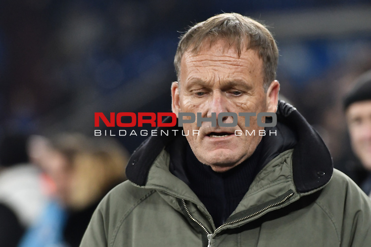 08.12.2018, Veltins-Arena, Gelsenkirchen, GER, 1. FBL, FC Schalke 04 vs. Borussia Dortmund, DFL regulations prohibit any use of photographs as image sequences and/or quasi-video<br /> <br /> im Bild Hans-Joachim Watzke (Borussia Dortmund) Portrait, halbportrait, Bild, einzel, Einzelaufnahme, picture, single, solo, alleine <br /> <br /> Foto &copy; nordphoto/Mauelshagen
