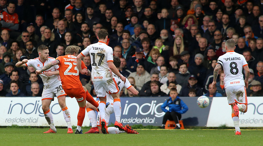 Luton Town's Jason Cummings scores his side's second goal to make it 2-2<br /> <br /> Photographer David Shipman/CameraSport<br /> <br /> The EFL Sky Bet League One - Luton Town v Blackpool - Saturday 6th April 2019 - Kenilworth Road - Luton<br /> <br /> World Copyright © 2019 CameraSport. All rights reserved. 43 Linden Ave. Countesthorpe. Leicester. England. LE8 5PG - Tel: +44 (0) 116 277 4147 - admin@camerasport.com - www.camerasport.com