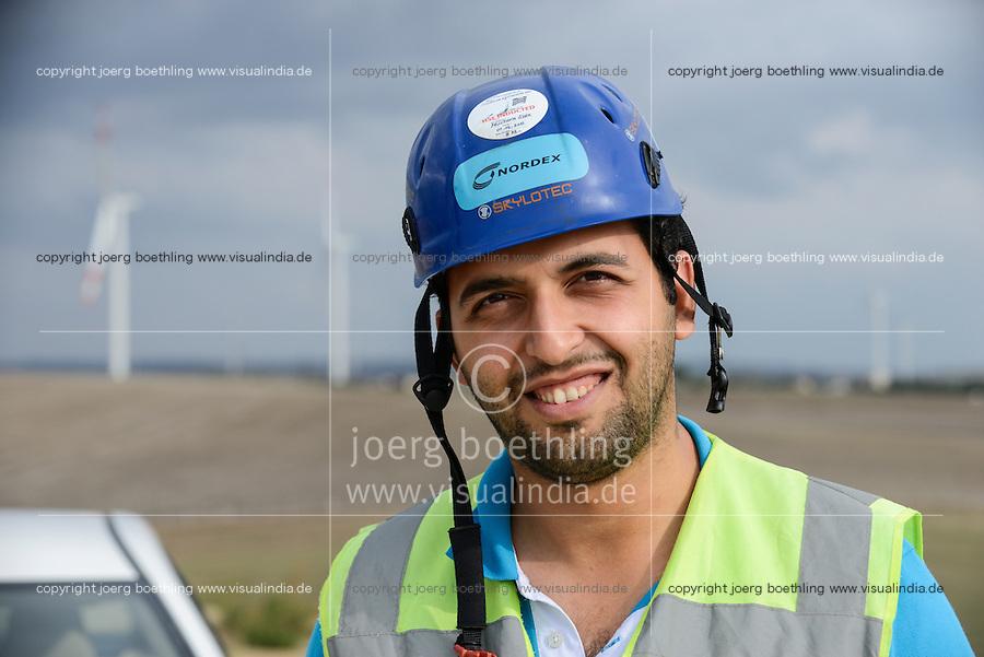 TURKEY Silivri, wind farm of Eksim Holding with Nordex wind turbines  / TUERKEI Silivri, Windpark der Eksim Holding mit Nordex Windkraftanlagen, Serviceteam Mustafa Özer