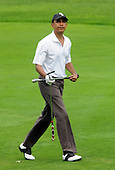 United States President Barack Obama plays the ninth hole at Mink Meadows Golf Club, Wednesday, August 25, 2010 while vacationing on Martha's Vineyard, Massachusetts. The Obama's are heading into their last weekend on the island before returning to Washington on Sunday. Barack Obama and his family are vacationing on Martha's Vineyard August 19-29. .Credit: Darren McCollester - Pool via CNP