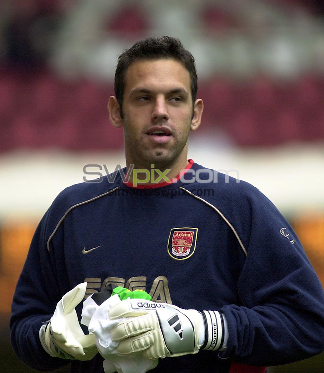 Pix: Dave Winter/SWpix.com. Soccer. FA Barclaycard Premiership. Arsenal v Blackburn Rovers. 12/02/2002...COPYWRIGHT PICTURE>>SIMON WILKINSON>>01943 436649>>..Arsenal's goal keeper Richard Wright.