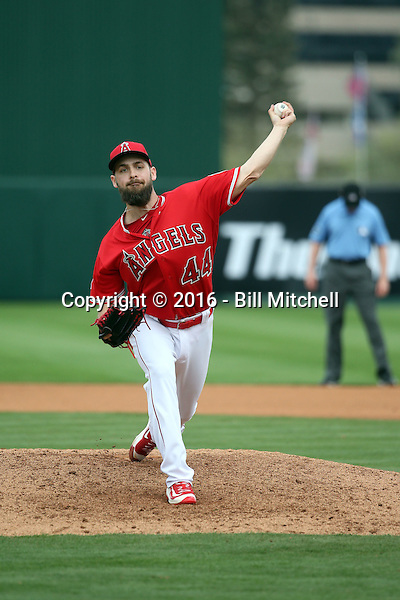 Lucas Luetge - Los Angeles Angels 2016 spring training (Bill Mitchell)