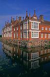 A08AR3 Helmingham Hall Suffolk England