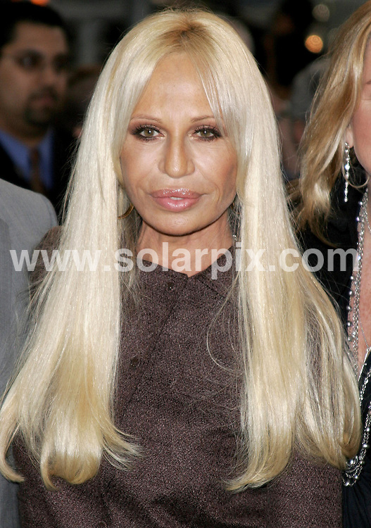 **ALL ROUND PICTURES FROM SOLARPIX.COM**.**SYNDICATION RIGHTS FOR UK, S.AFRICA, DUBAI, AUS**.07.02.07 - Donatella Versace - Rodeo Drive Walk of Style To Honor Gianni and Donatella Versace - Rodeo Drive - Beverly Hills - USA...JOB REF:   3343  PHZ    DATE:  07.02.07.**MUST CREDIT SOLARPIX.COM OR DOUBLE FEE WILL BE CHARGED**