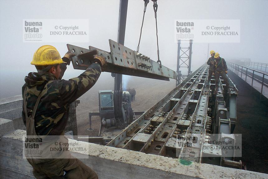 - Railroad Engineer Corps, construction of the bridge on the Nure torrent along the railway line Piacenza - Cremona....- Genio Ferrovieri, costruzione del ponte sul torrente Nure lungo la linea ferroviaria Piacenza - Cremona..