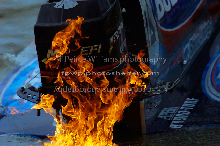 Tim Seebold's Seebold/Mercury catches fire partway through the final heat.