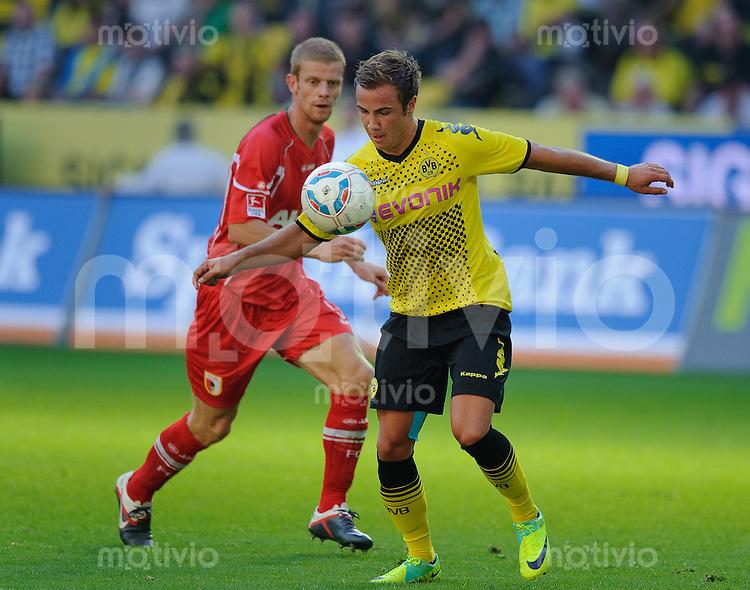 Fussball Bundesliga Saison 2011/2012 8. Spieltag Borussia Dortmund - FC Augsburg V.l.: Uwe MOEHRLE (Augsburg), Mario GOETZE (BVB).