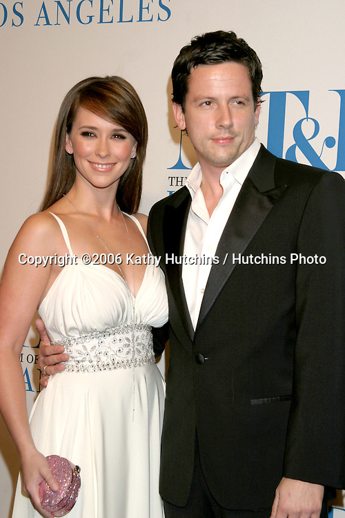 Jennifer Love Hewitt.Ross McCall.Museum of TV & Radio Annual Gala IHO Les Moonves and Jerry Bruckheimer.Regent Beverly Wilshire Hotel.Beverly Hills, CA.October 30, 2006.©2006 Kathy Hutchins / Hutchins Photo....