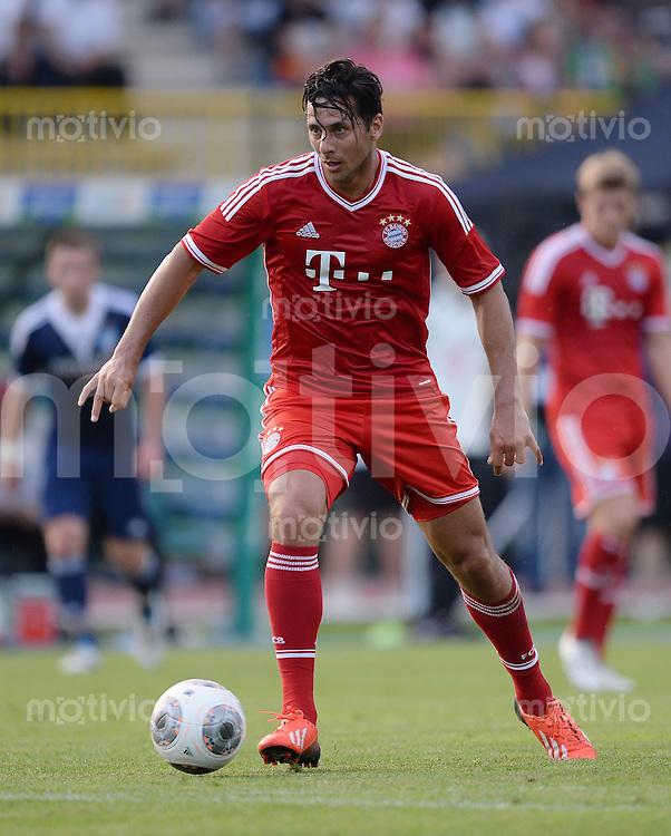 FUSSBALL  1. Bundesliga   2013/2014   Testspiel  FC Bayern Muenchen - Paulaner Traumelf      05.07.2013 Claudio Pizarro (FC Bayern Muenchen) am Ball