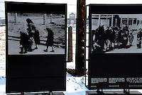 AUSCHWITZ BIRKENAU / POLONIA - 27 GEN.2011.CAMPO DI STERMINIO NAZISTA..PANNELLI CON IMMAGINI SCATTATE DALLE SS AI DEPORTATI GIUNTI NEL LAGER..FOTO LIVIO SENIGALLIESI