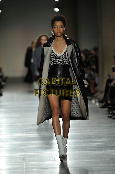 TopShop Unique<br /> London Fashion Week<br /> Ready to Wear<br /> Fall Winter 16/17<br /> in London, England February 21, 2016.<br /> CAP/GOL<br /> &copy;GOL/Capital Pictures