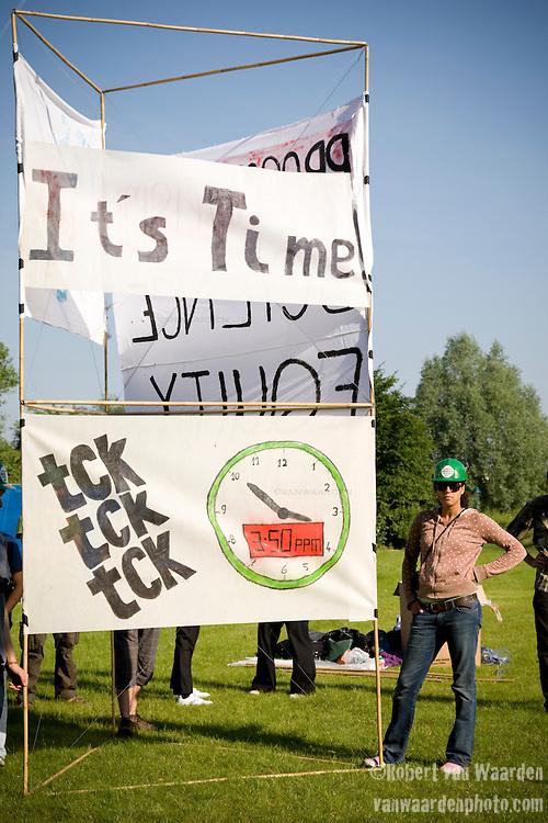 United Nations Climate Talks in Bonn Germany (©Robert vanWaarden)