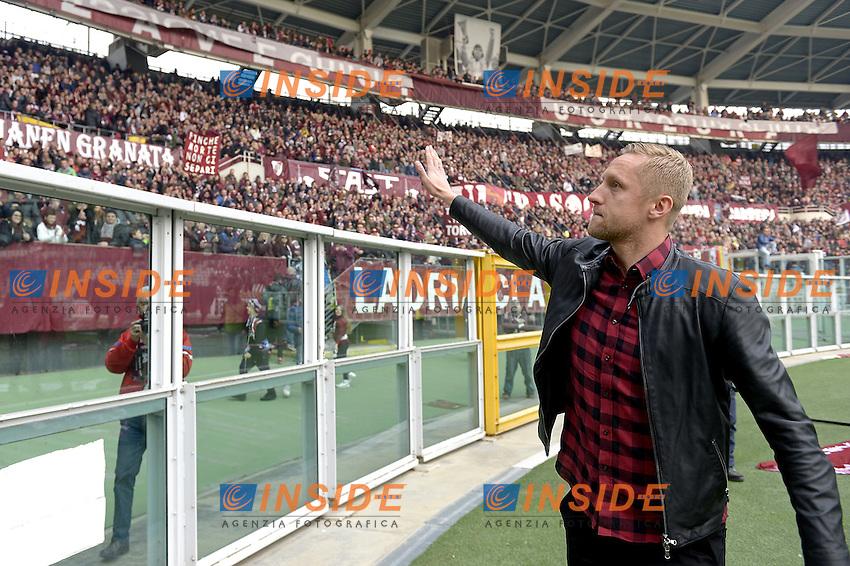 Kamil Glik saluta i tifosi del Toro prima della gara,<br /> Torino 11-12-2016 Stadio Olimpico Grande Torino <br /> Fotball Calcio Serie A 2016/2017 Torino - Juventus  <br /> Foto Filippo Alfero Insidefoto