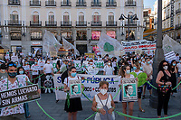 MADRID, SPAIN - JUNE 29: General view of the protest held in the afternoon in Puerta del Sol to request better working conditions, protection equipment and investment in Health to fight against the covid-19 on June 29 2020, in Madrid, Spain. The region of Madrid was the main focus of covid-19 outbreak in Spain. In al over the country, more than 50000 thousand health staff has been infected with the coronavirus since the beginning of the pandemic.(Photo by Sergio Belena/VIEWpress via Getty Images).