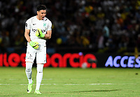IBAGUÉ - COLOMBIA, 06-06-2018: Fernando Monetti arquero de Nacional celebra el gol de su compañero Dayro Moreno (fuera de cuadro) anotado al Deportes Tolima durante partido de ida por la final de la Liga Águila I 2018 jugado en el estadio Manuel Murillo Toro de Ibagué. / Fernando Monetti<br />  goalkeeper of Atletico Nacional celebrates a goal from his teammate Dayro Moreno (out the frame) player scored to Deportes Tolima during first leg match for the final of the Aguila League I 2018 played at Manuel Murillo Toro stadium in Ibague city. Photo: VizzorImage / Cristian Alvarez / Cont