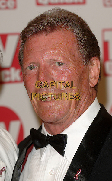 JOHNNY BRIGGS.The TV Quick and TV Choice Awards, The Dorchestr, London, UK..September 4th, 2006.Ref: BEL.headshot portrait bow tie.www.capitalpictures.com.sales@capitalpictures.com.©Tom Belcher/Capital Pictures.