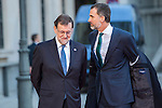 Spanish Prime Minister Mariano Rajoy (L) and Felipe VI of Spain (C) are seen ahead of a meeting with the Presidents of 17 autonomous governments at the Senate in Madrid, January  17, 2017. (ALTERPHOTOS/Rodrigo Jimenez)