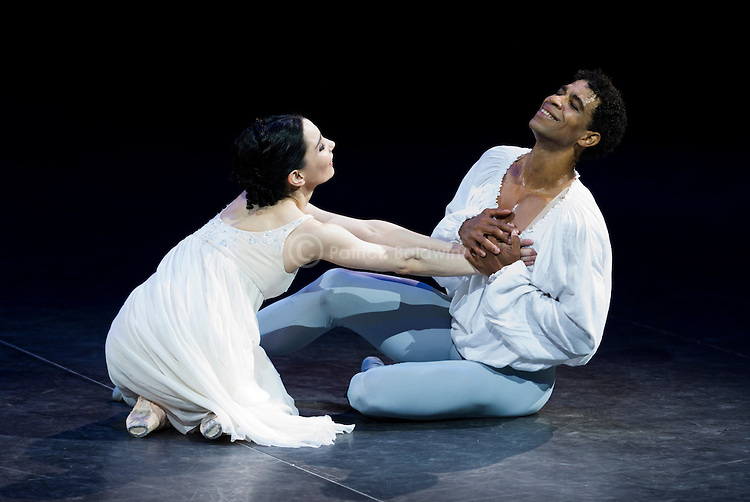 English National Ballet. Romeo and Juliet. In the round. Choreographer: Derek Deane.