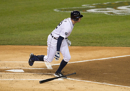 October 04, 2011:  Detroit Tigers right fielder Don Kelly (#32) at bat during MLB American League Division Series game action between the New York Yankees and the Detroit Tigers at Comerica Park in Detroit, Michigan.  The Yankees defeated the Tigers 10-1.