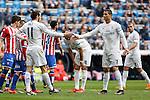 Real Madrid´s Cristiano Ronaldo shakes hands with Gareth Bale during 2015/16 La Liga match between Real Madrid and Sporting de Gijon at Santiago Bernabeu stadium in Madrid, Spain. January 17, 2015. (ALTERPHOTOS/Victor Blanco)