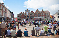 team presentation under a sunny sky on the Central Square in Aarschot<br /> <br /> 1st Dwars door het Hageland 2016<br /> (pics by Léon Van Bon)