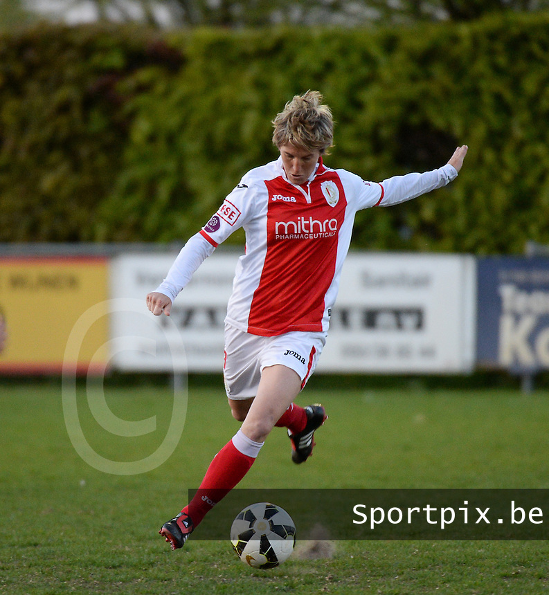 20150428 - VARSENARE , BELGIUM : Standard's Aline Zeler pictured in action during the soccer match between the women teams of Club Brugge Vrouwen and Standard de Liege Femina , on the 24th matchday of the BeNeleague competition Tuesday 28 th April 2015 in Varsenare . PHOTO DAVID CATRY