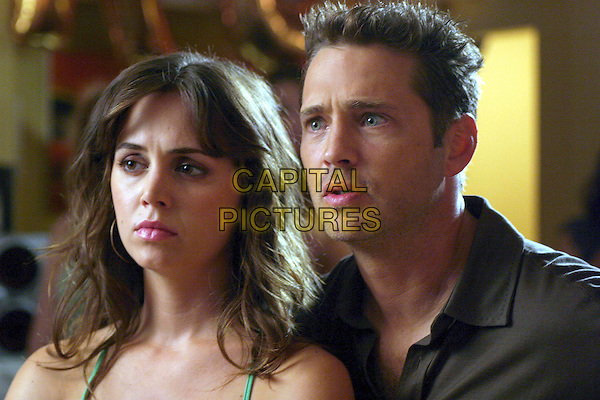 "ELIZA DUSHKU & JASON PRIESTLEY.in Tru Calling.Season 2.""In The Dark"".*Editorial Use Only*.www.capitalpictures.com.sales@capitalpictures.com.Supplied by Capital Pictures."