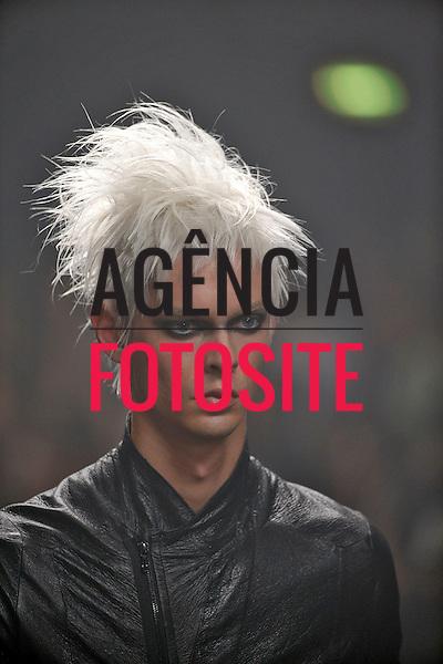 Paris, Franca &ndash; 06/2014 - Desfile de Julius durante a Semana de moda masculina de Paris - Verao 2015. <br /> Foto: FOTOSITE