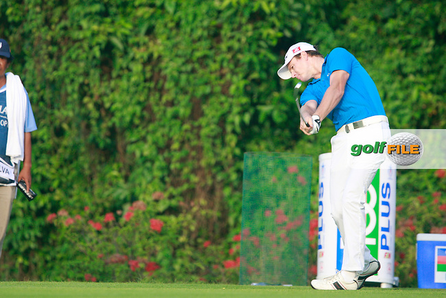 Adam Groom (AUS) tees off on the 1st tee during Thursday's Round 1 of the 2011 Barclays Singapore Open, Tanjong Course, Sentosa Golf Club, Sentosa Island, Singapore, 10th November 2011 (Photo Eoin Clarke/www.golffile.ie)