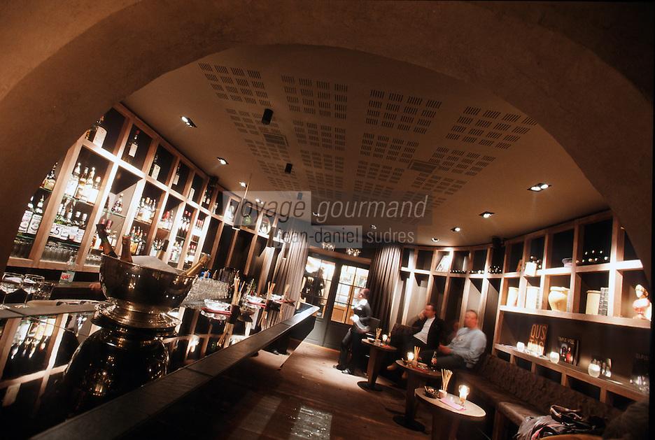 """Europe/France/Rhône-Alpes/74/Haute Savoie/Megève: """"L'Esquinade"""" Bar Restaurant de nuit"""