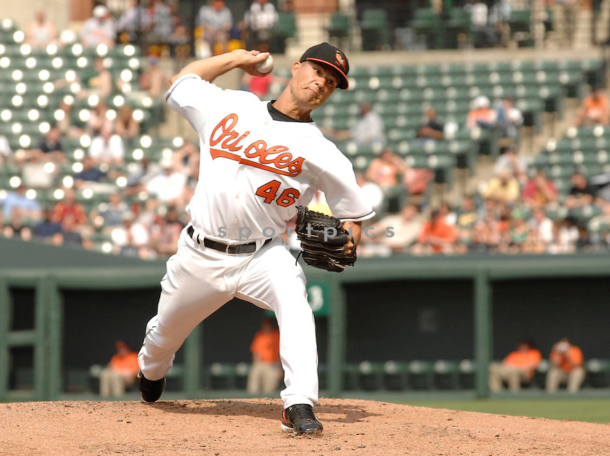 JEREMY GUTHRIE, of the Baltimore Orioles, in action during the  Orioles game against the Oakland A's in Baltimore Maryland on April 24, 2007...A's win 4-2...DAVID DUROCHIK / SPORTPICS..