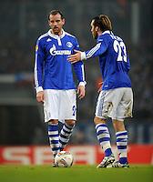 FUSSBALL   EUROPA LEAGUE   SAISON 2011/2012  SECHZEHNTELFINALE FC Schalke 04 - FC Viktoria Pilsen                          23.02.2012 Christoph Metzelder (li) und Christian Fuchs (re, beide FC Schalke 04)