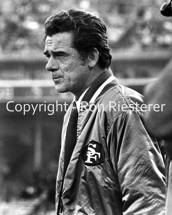 San Francisco 49er head coach Dick Nolan (1974 photo/Ron Riesterer)