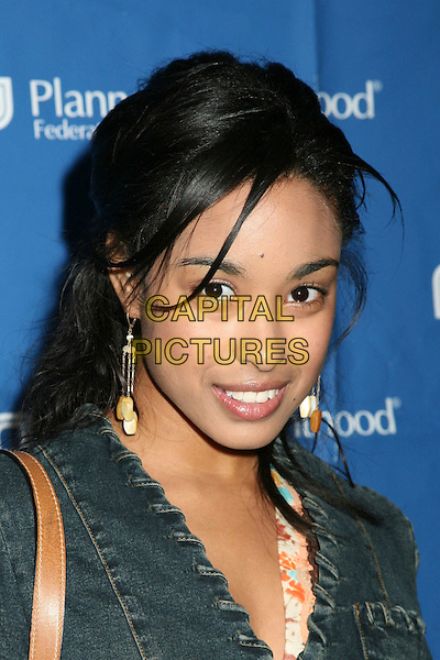 """DAVETTA SHERWOOD.""""Daytime for Planned Parenthood"""" Pre-Emmy Celebration, the Women of Daytime Television's Benefit for the Planned Parenthood Federation of America, Glendale, California, USA..April 26th, 2006.Photo: Byron Purvis/AdMedia/Capital Pictures.Ref: BP/ADM.headshot portrait.www.capitalpictures.com.sales@capitalpictures.com.© Capital Pictures."""