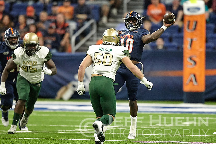 SAN ANTONIO, TX - OCTOBER 12, 2019: The University of Alabama at Birmingham Blazers defeat the University of Texas at San Antonio Roadrunners 33-14 at the Alamodome. (Photo by Jeff Huehn)