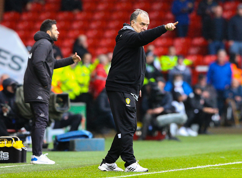 Leeds United manager Marcelo Bielsa shouts instructions to his team from the technical area<br /> <br /> Photographer Alex Dodd/CameraSport<br /> <br /> The EFL Sky Bet Championship - Sheffield United v Leeds United - Saturday 1st December 2018 - Bramall Lane - Sheffield<br /> <br /> World Copyright © 2018 CameraSport. All rights reserved. 43 Linden Ave. Countesthorpe. Leicester. England. LE8 5PG - Tel: +44 (0) 116 277 4147 - admin@camerasport.com - www.camerasport.com