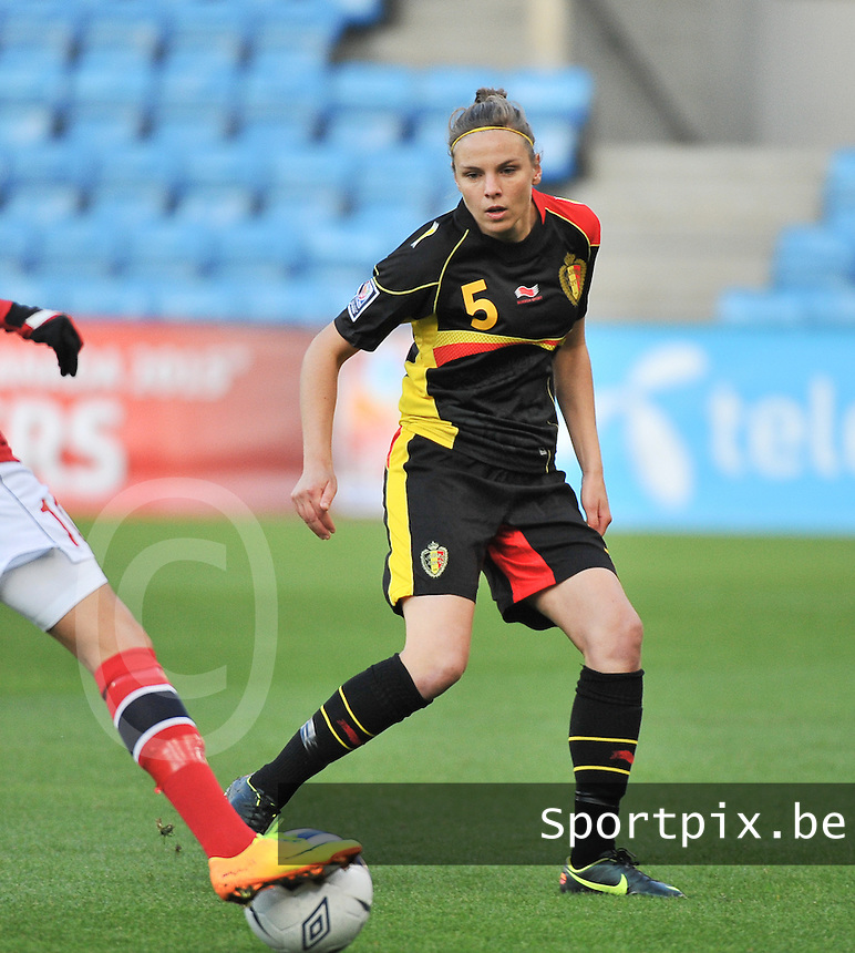 20130925 - OSLO , NORWAY : Belgian Lorca Van De Putte pictured during the female soccer match between Norway and Belgium , on the second matchday in group 5 of the UEFA qualifying round to the FIFA Women World Cup in Canada 2015 at the Ullevaal Stadion , Oslo . Wednesday 25th September 2013. PHOTO DAVID CATRY