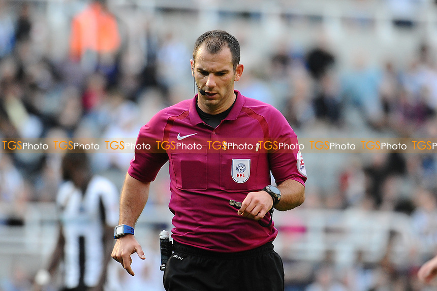 Referee Tim Robinson during Newcastle United vs Wolverhampton Wanderers, Sky Bet EFL Championship Football at St. James' Park on 17th September 2016
