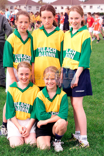 Leanne Russell, Daire O'Dowd, Ciara Boylan, Emma Mooney and Katie McDonnell. Pupils from Tullyallen National School who competed in the Drogheda and District Schools Cross Country Championship at St. Josephs CBS field..Picture: Paul Mohan/Newsfile