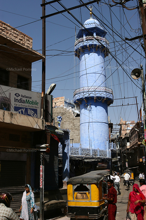 10.10.2008 Jodhpur(Rajasthan)<br /> <br /> Street life near the mosque.<br /> <br /> Vie de la rue pres de la mosquée.