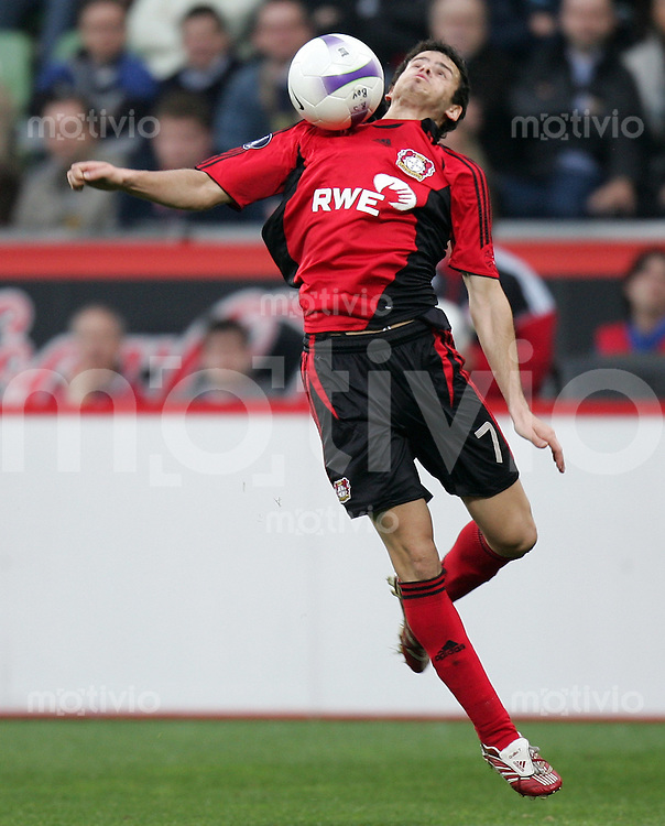 Fussball   International Uefa-Cup   Saison 2006/2007 Tranquillo BARNETTA (Bayer 04 Leverkusen), Einzelaktion am Ball
