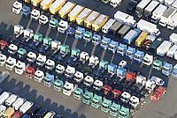 4415/TruckStore: EUROPA, DEUTSCHLAND, HAMBURG  22.01.2006 gebrauchte Nutzfahrzeuge der Firma Mercedes- Benz in einem Shop mit dem Namen TruckStore. LKW, Fahrzeuge, Verkauf, grosses Angebot, grosse Auswahl