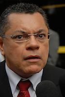 """advogado Jânio Siqueira, concede entrevista durante as manifestações em frente ao Tribunal de Justiça do Pará durante o julgamento do fazendeiro Regivaldo Pereira Galvão, o """"Taradão"""", acusado de ser o principal mandante da morte da missionária Dorothy Stang, ocorrida na manhã de 12 fevereiro de 2005, em Anapu, enfrenta hoje o Tribunal do Júri no Fórum Criminal de Belém.<br /> Belém Pará Brasil<br /> Paulo Santos<br /> 30 04 2010"""