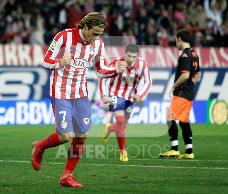 Atletico de Madrid's Diego Forlan celebrates goal during La Liga match.(ALTERPHOTOS/Acero)