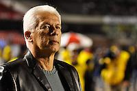 SÃO PAULO, SP, 16 DE MAIO DE 2012 - COPA DO BRASIL - SÃO PAULO x GOIÁS: Tecnico Emerson Leão durante partida São Paulo x Goiás, válido pelas quartas de final da Copa do Brasil em jogo realizado no Estádio do Morumbi. FOTO: LEVI BIANCO - BRAZIL PHOTO PRESS