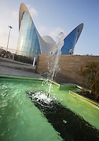 L'Oceanogràfic, « An Underwater City » ; included to the City of Arts and Sciences in december 2002, Valencia, Communitat Valenciana, Spain ; 1994 - 2002 ; Largest marine park in Europe created by Félix Candela (Madrid, Spain, 1910 - Durham, USA, 1997) ; famous in Mexico (where he left in 1939) and United States, he only came back to his native country for this project and earlier, in 1962-1963, for the building of the peculiar church Nuestra Señora de Guadalupe in Madrid. Picture by Manuel Cohen