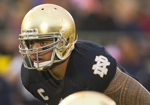 October 13, 2012:  Notre Dame inside linebacker Manti Te'o (5) during NCAA Football game action between the Notre Dame Fighting Irish and the Stanford Cardinal at Notre Dame Stadium in South Bend, Indiana.  Notre Dame defeated Stanford 20-13.