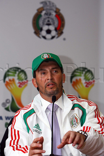 Jose Manuel De La Torre (MEX), OCTOBER 18, 2010 - Football : Mexico national team new signing head coach Jose Manuel De La Torre during the press conference in Mexico City, Mexico.