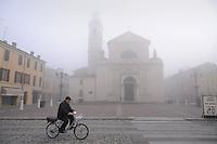 - Brescello (Reggio Emilia),  la piazza centrale<br /> <br /> - Brescello (Reggio Emilia),  the central square